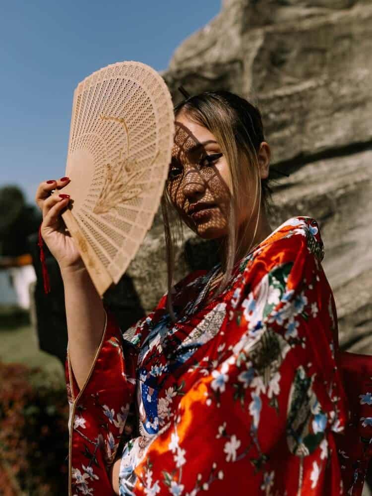 pretty japanese woman