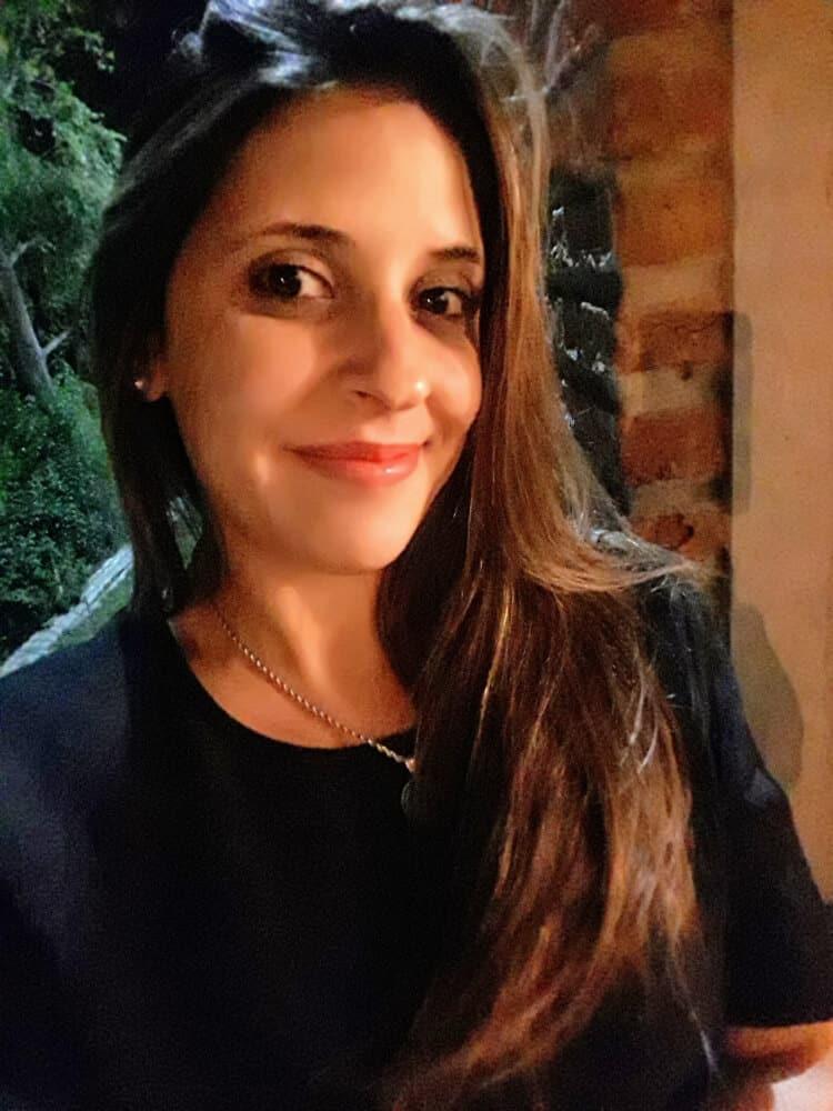 Date Uruguayan Lady
